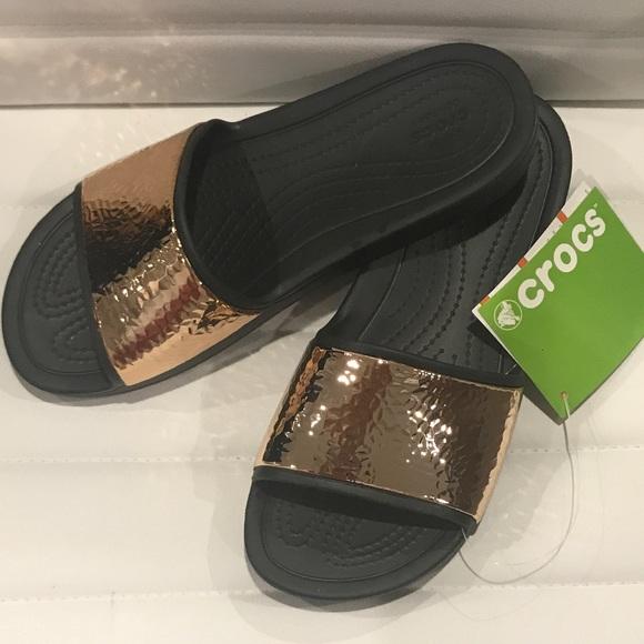 7835c06d5fe506 Crocs Sloane Slide Hammered Metal Black Rose gold
